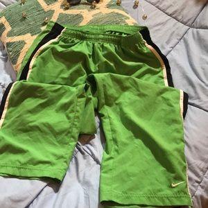 NIKE athletic pants/ green navy/ whit/euc/